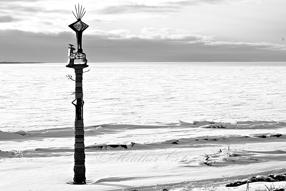 totem.pole.waterfront.2013b&w