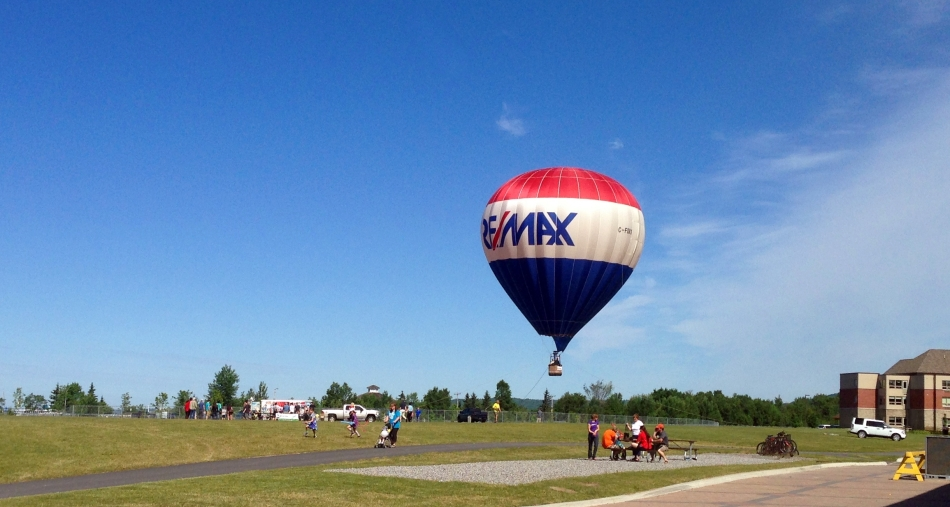 RE.MAX.balloon.2014...